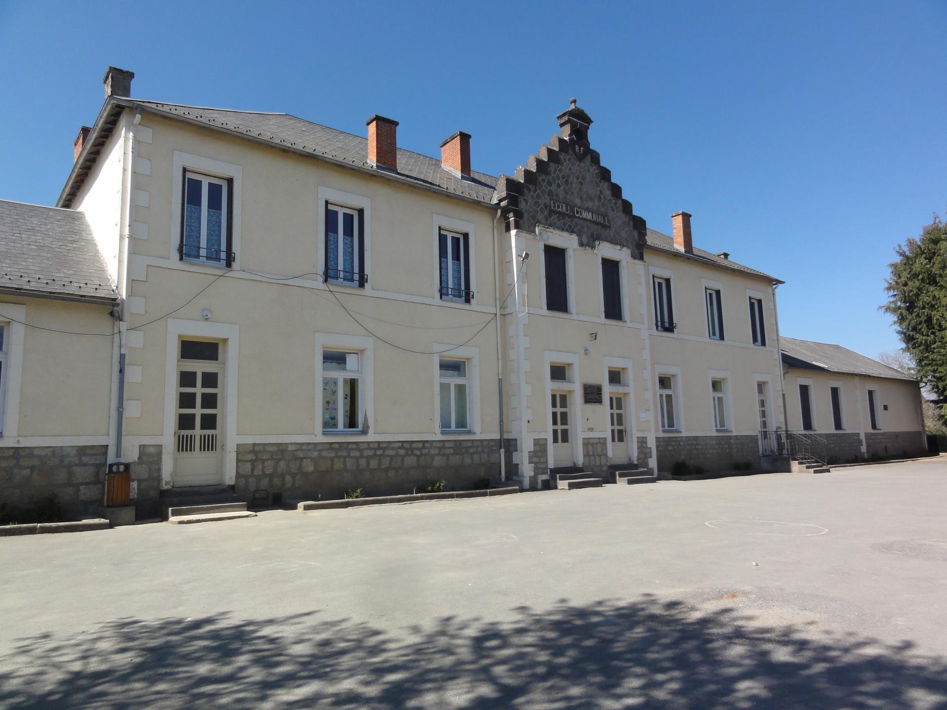 Le bâtiment scolaire de la commune